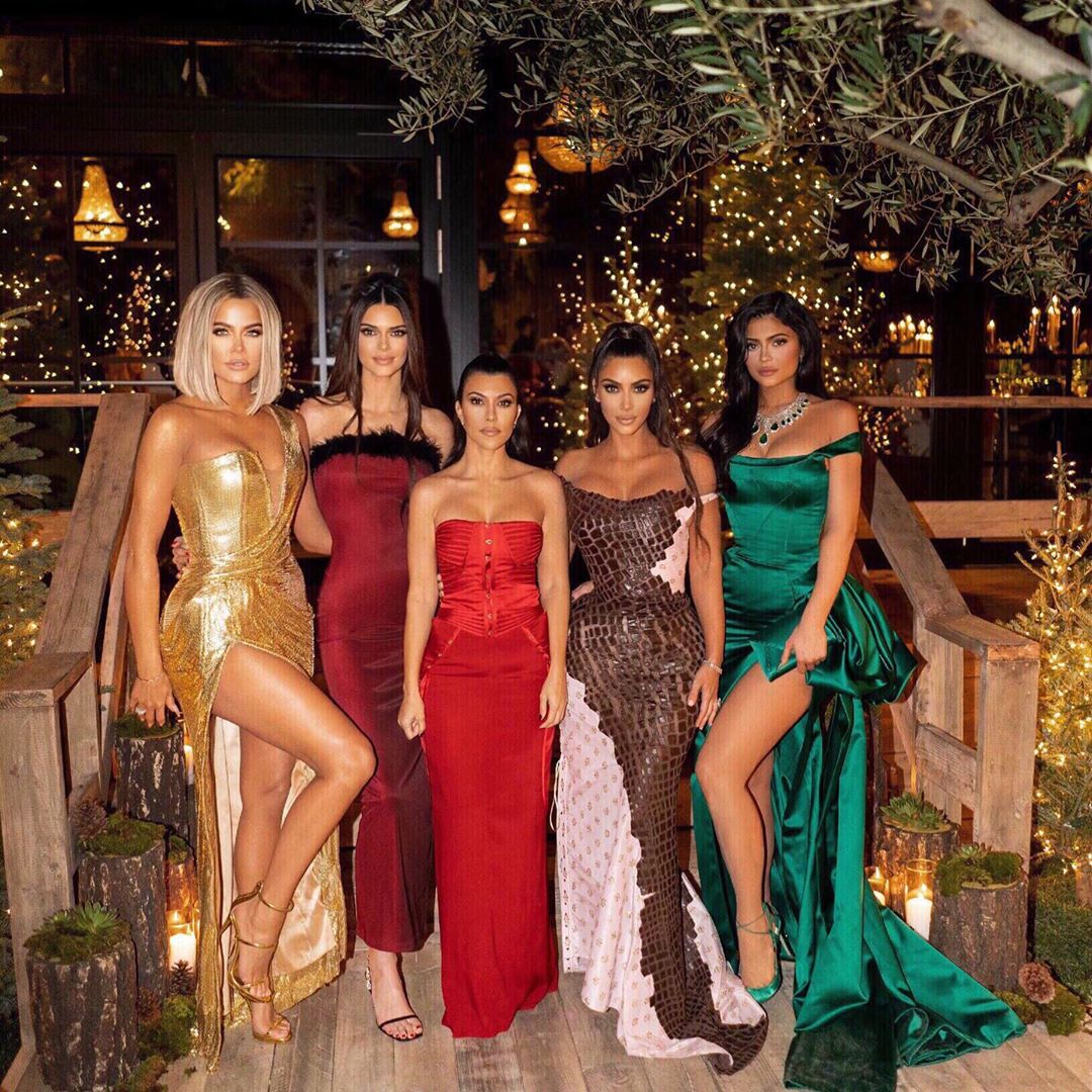 Kylie Jenner 2020 Christmas Photos How the Kardashian Jenners Achieved Their Chic Christmas Party