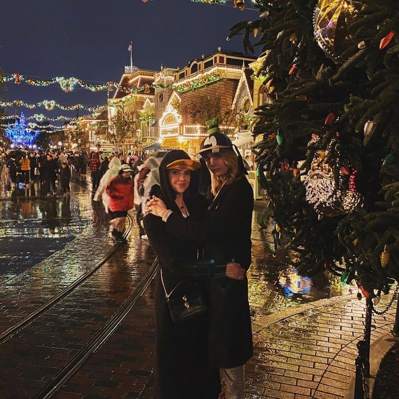 Cara Delevingne, Ashley Benson, Disneyland, Instagram