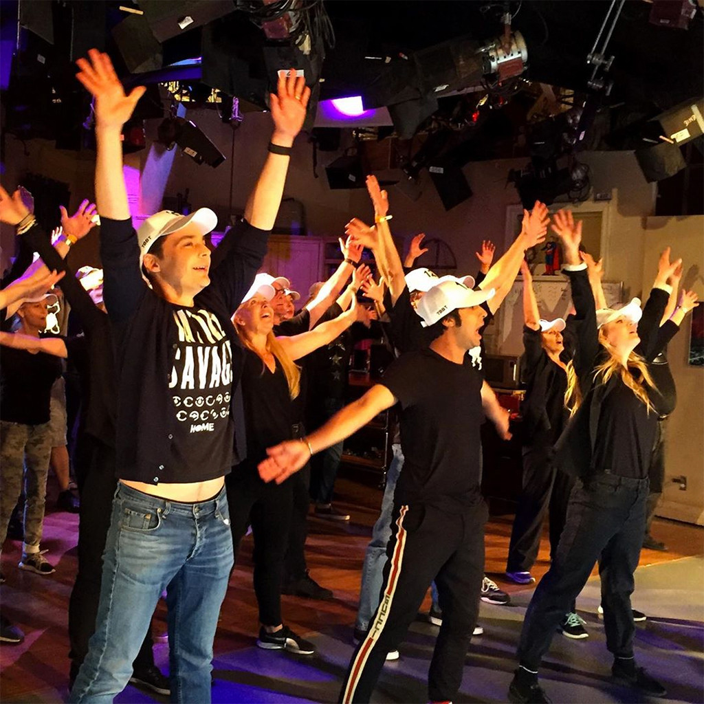See The Big Bang Theorys Epic Final Flash Mob For The Studio