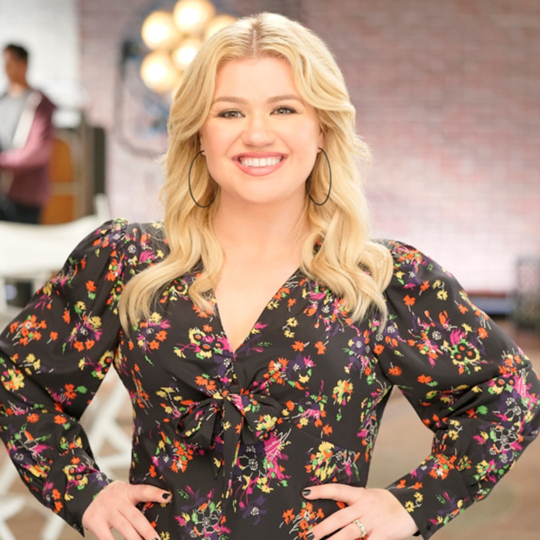 Kelly Clarkson's Tearful Moment With This Mom Is a Powerful Reminder to Parents Everywhere - E ...
