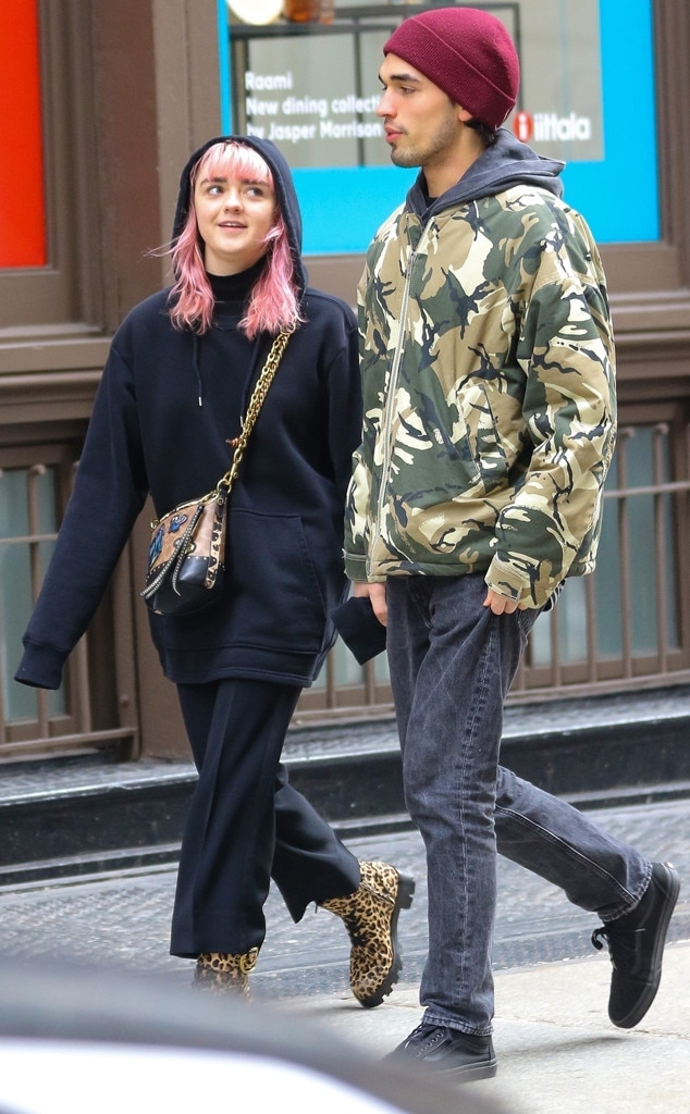 Maisie Williams & Reuben Shelby -  The  GoT  actress is looks smitten during a romantic walk in New York with boyfriend.