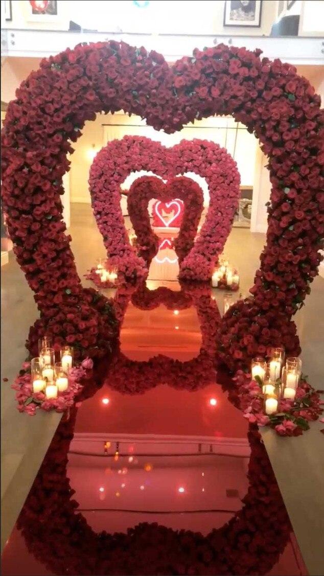 Kylie Jenner, Instagram Story, Valentine's Day Flowers