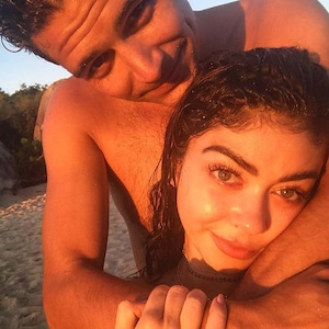 Sarah Hyland, Wells Adams, Instagram