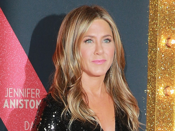 Jennifer Aniston's Private Jet Forced to Make Emergency Landing While En Route to Cabo