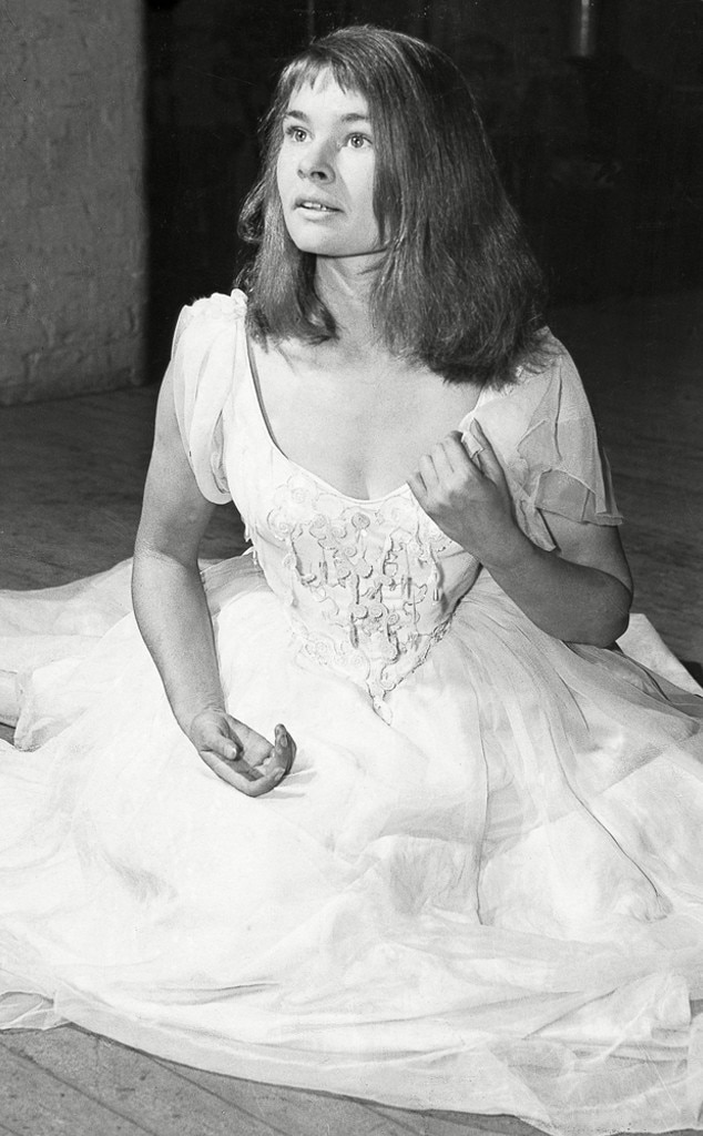 Judi Dench movies - Hamlet Stage - 1957