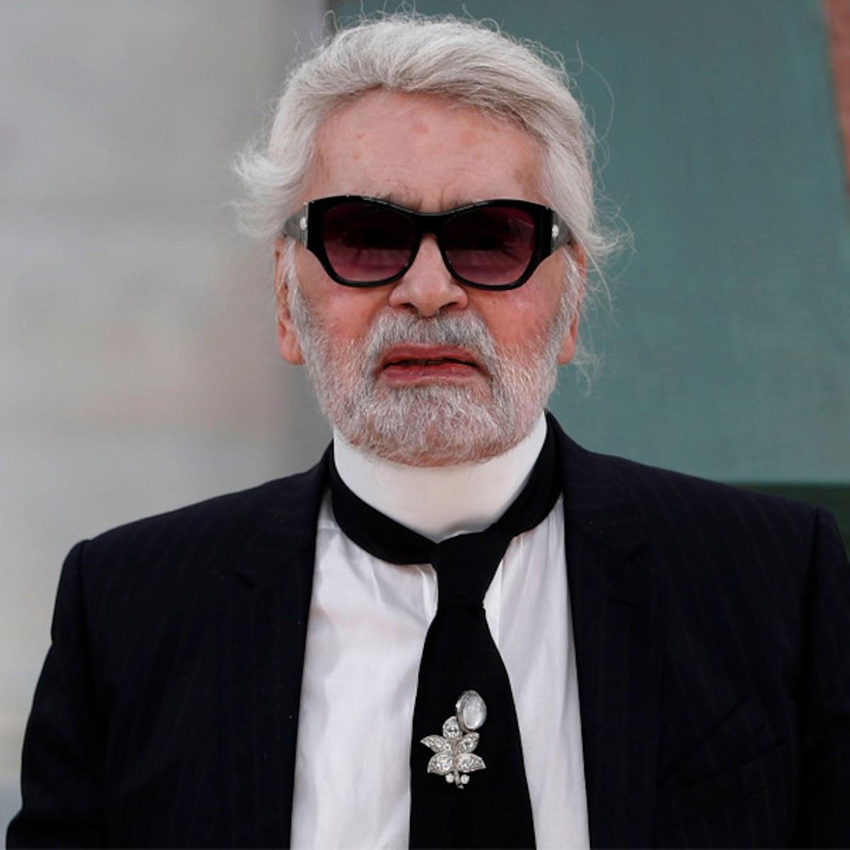 Murió El Legendario Diseñador Karl Lagerfeld E News