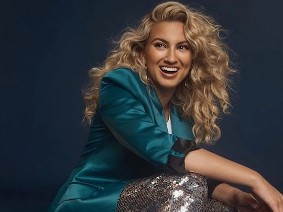 Tori Kelly's Favorite Cocktail Recipe Will Be a Hit at Your Next Holiday Party