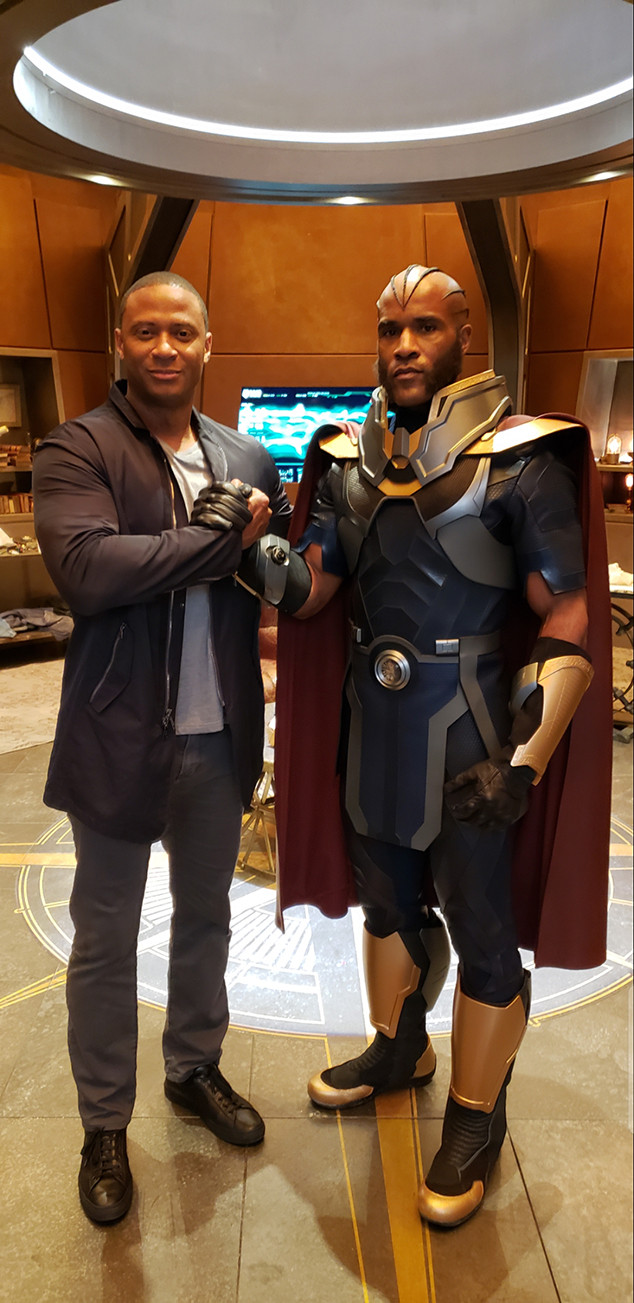 """Photos from Behind the Scenes of Arrowverse's """"Crisis on ..."""