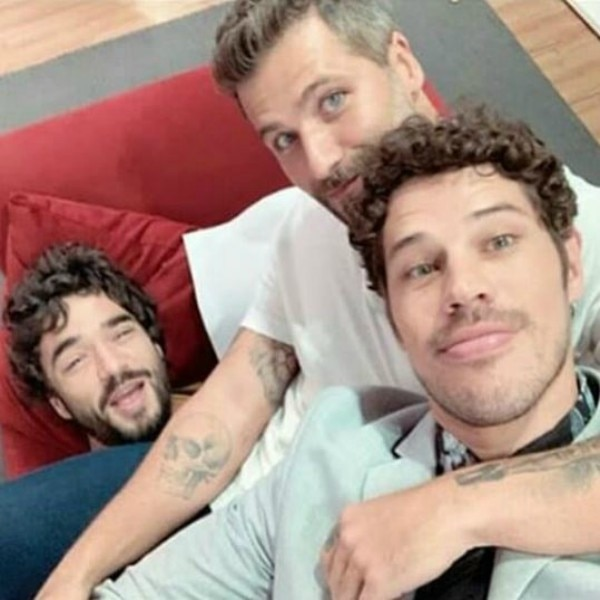 bd00256cd Bruno gagliasso posa com josé loreto e ironiza polêmica de noronha e news  jpg 700x700 Gagliasso