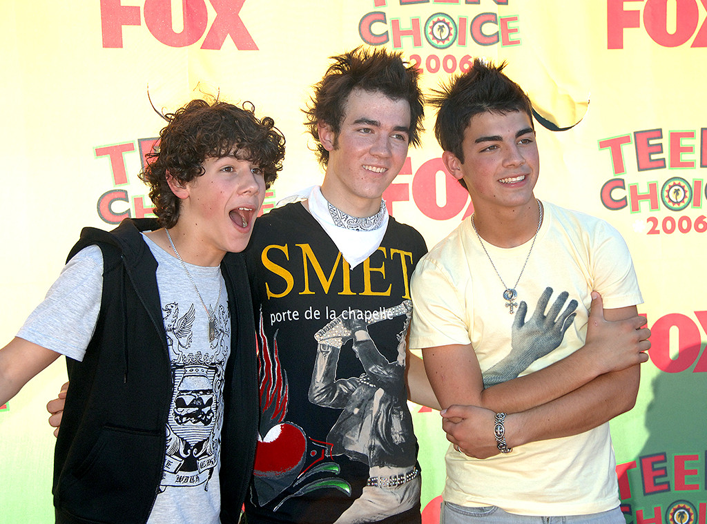 Jonas Brothers Reunite for First Song in 5 Years: Look Back