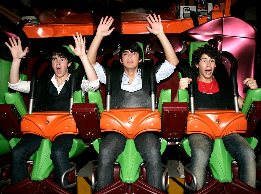 The Jonas Brothers, Six Flags Magic Mountain