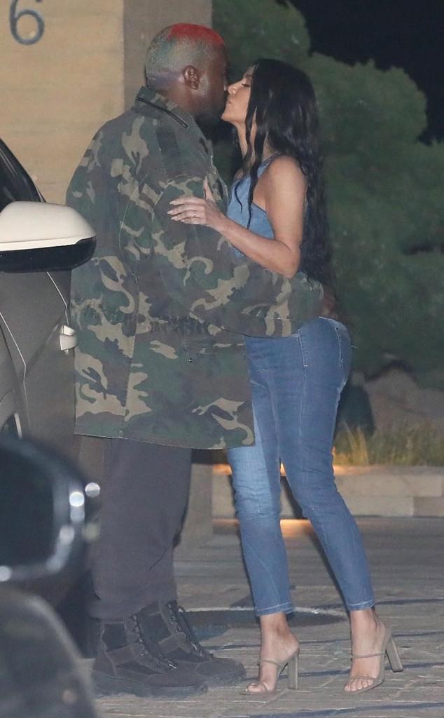 Kim Kardashian, Kanye West, PDA