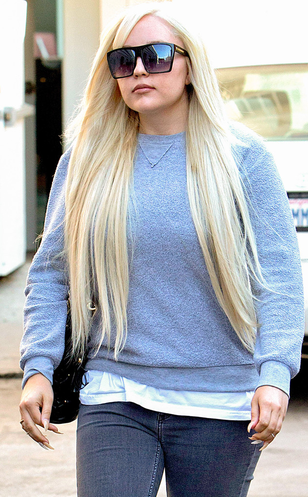 "Inside Amanda Bynes' Recovery: She's ""Working on Herself"" After Graduating FIDM"