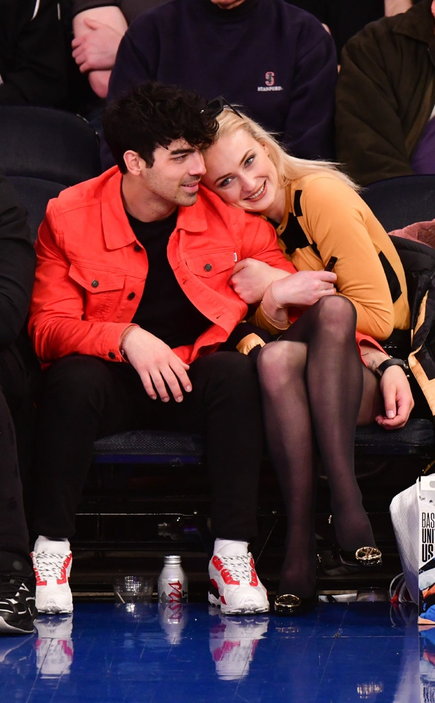 Joe Jonas & Sophie Turner -  The couple show some PDA at theSacramento Kings v New York Knicks game at Madison Square Garden in New York City.