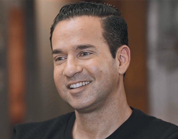 Mike Sorrentino Hangs Out With Fyre Fest's Billy McFarland in Prison - E! NEWS