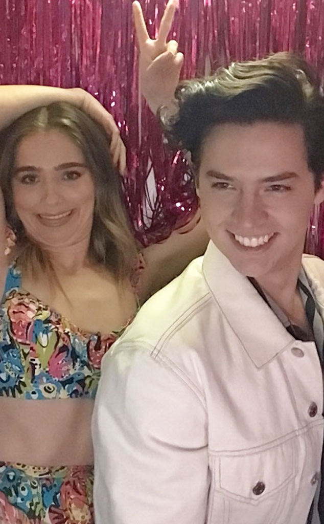 Haley Lu Richardson & Cole Sprouse -  These two are clearly not  Five Feet Apart  in the photo booth!