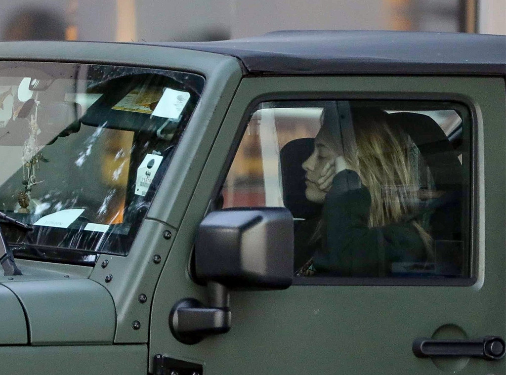 Paris Jackson, Sleeping, Car