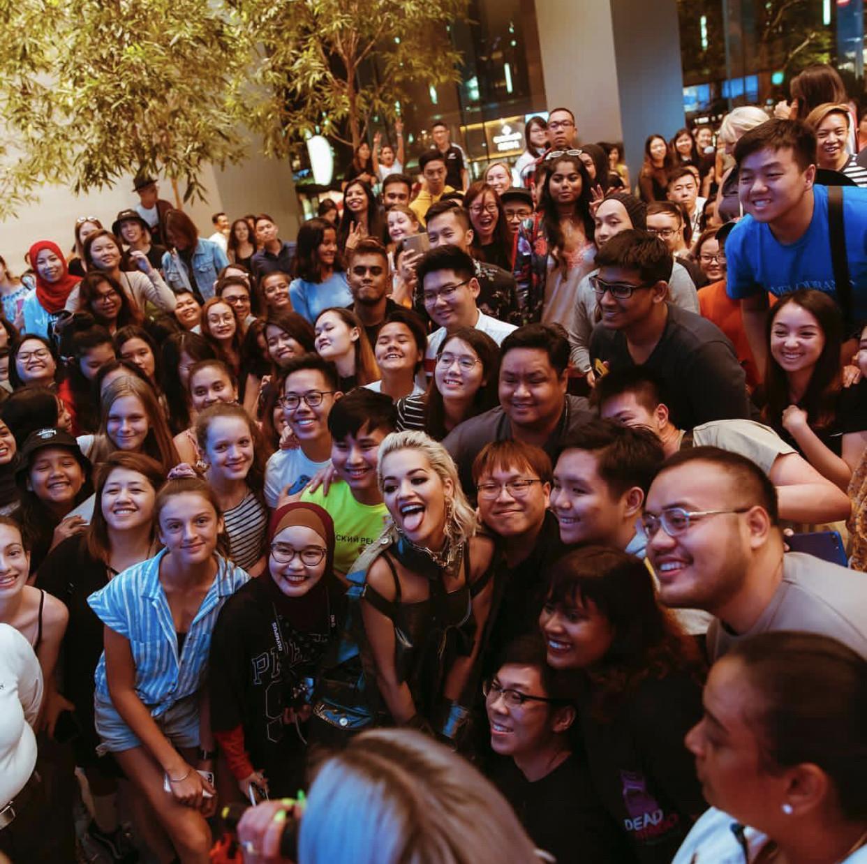 Rita Ora, Apple Orchard Road