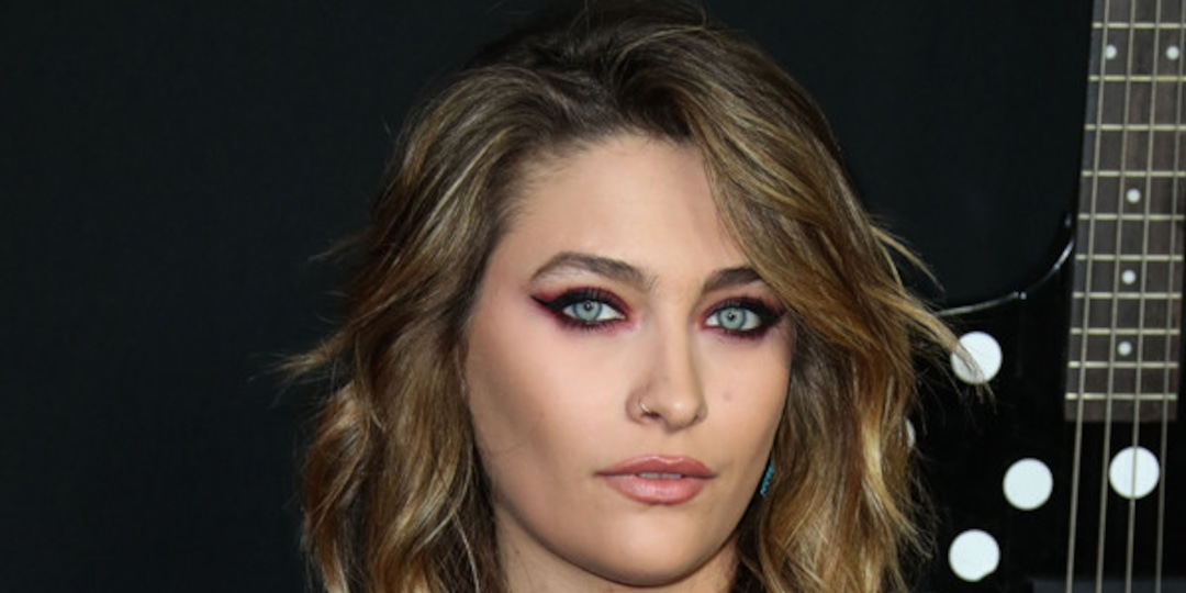 """Paris Jackson Says Childhood Paparazzi Encounters Caused Her to Suffer From """"Severe Paranoia"""" - E! Online.jpg"""
