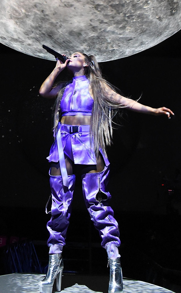 See All Of Ariana Grande S Sweetener Tour Looks E Online