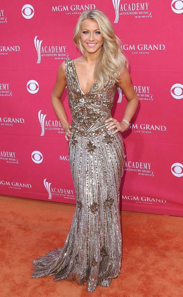 Julianne Hough -  Before serving as a judge on  Dancing With the Stars  and  America's Got Talent , the dancerdazzled in this gown before she went on to win the fan-voted Top New Artist award.