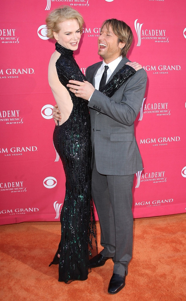 Nicole Kidman & Keith Urban -  The happily married duowas all smiles as they made their way down the red carpet at the MGM Grand.