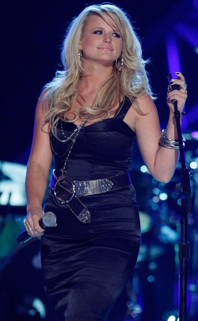 """Miranda Lambert -  The """"Dead Flowers"""" singer looks confident on stage, despite not picking up any awards that evening."""