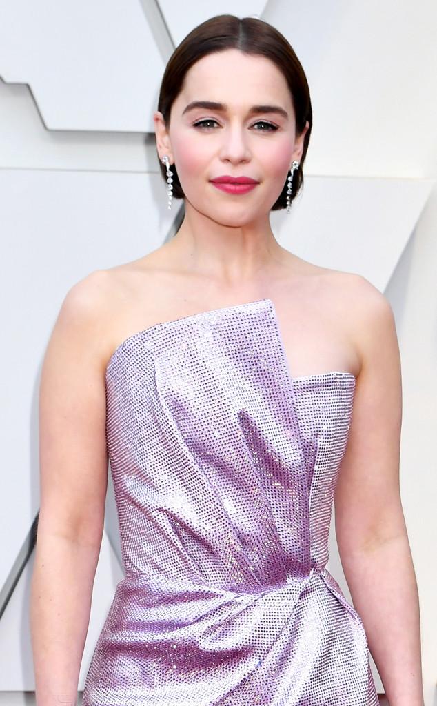 Emilia Clarke revela brigas por cenas de nudez em Game of