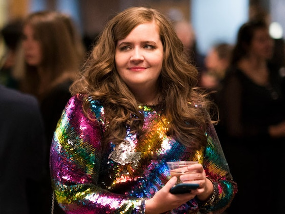 Most of Aidy Bryant's <i>Shrill</i> Costumes Had to Be Custom Made For the Dumbest Reason