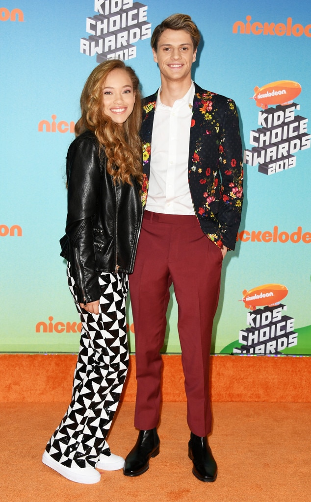 Shelby Simmons & Jace Norman -  The Favorite Male TV Star nominee and the actress pair up on the orange carpet.