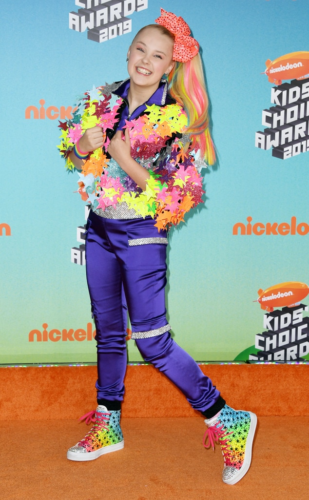 JoJo Siwa -  Hold onto your hair bows, ladies and gents!