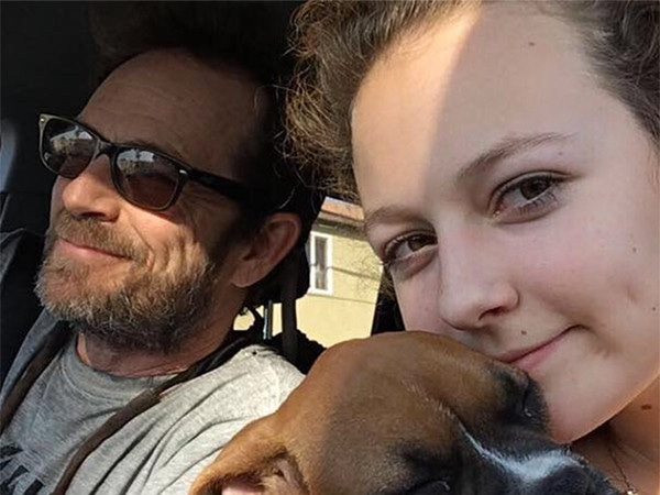 """Luke Perry's Daughter Says She Misses Him """"a Little Extra Today"""" in Moving Photo Post"""