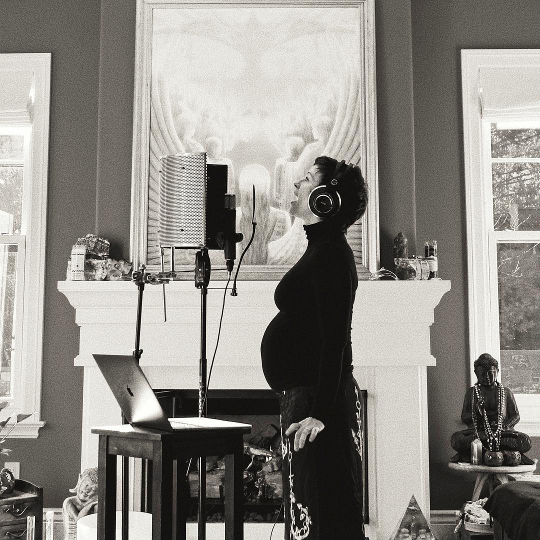 Alanis Morissette Is Pregnant With Baby No. 3! See More Expectant Celeb Moms Over 40