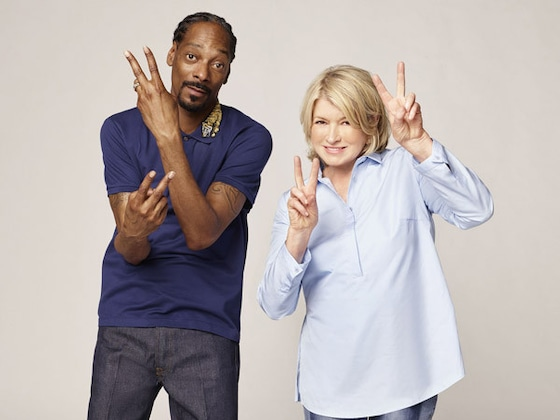 Martha Stewart and Snoop Dogg Recreate <i>Titanic</i> Scene (But Add French Fries) for <i>Potluck Party Challenge</i>