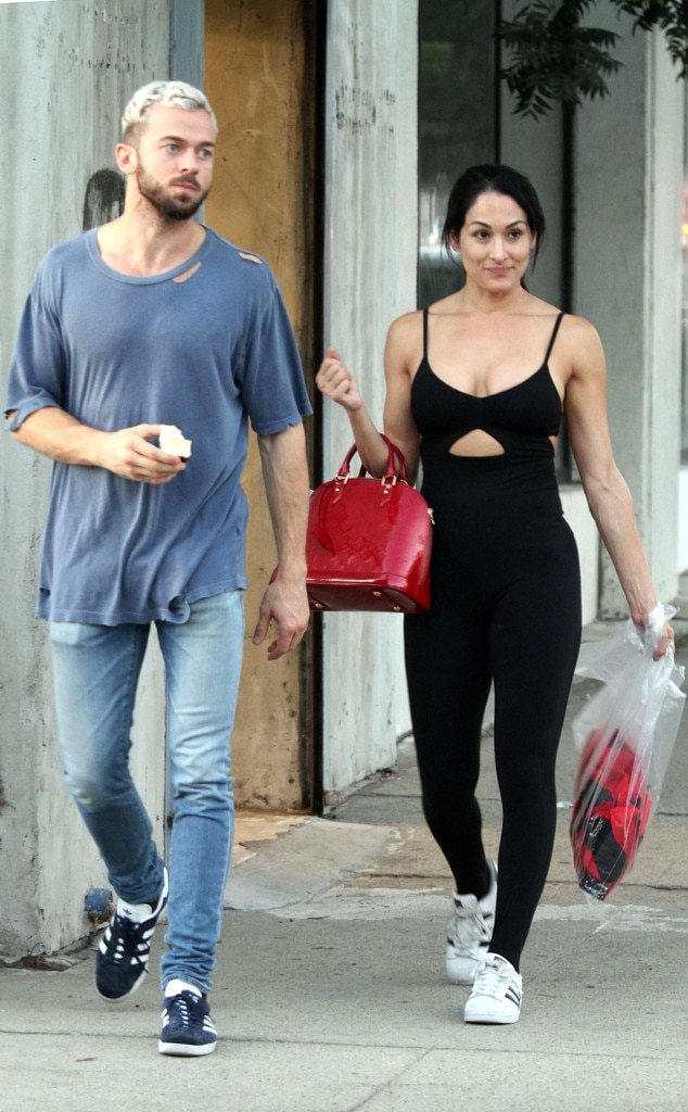 Who is dating who on dwts 2020