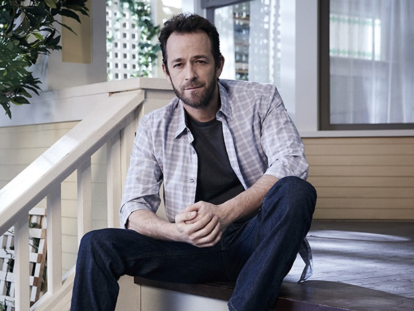 """<i>Riverdale</i> Season 4 Premiere Is a Tribute to Luke Perry, Possibly """"Most Important"""" Episode Ever"""