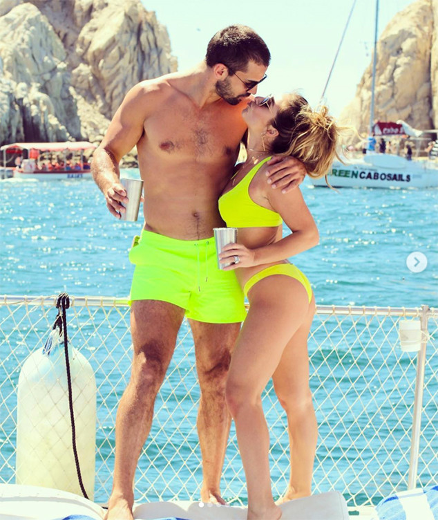 Jessie James Decker Has the Realest Response to Someone Who Says She Got Surgery