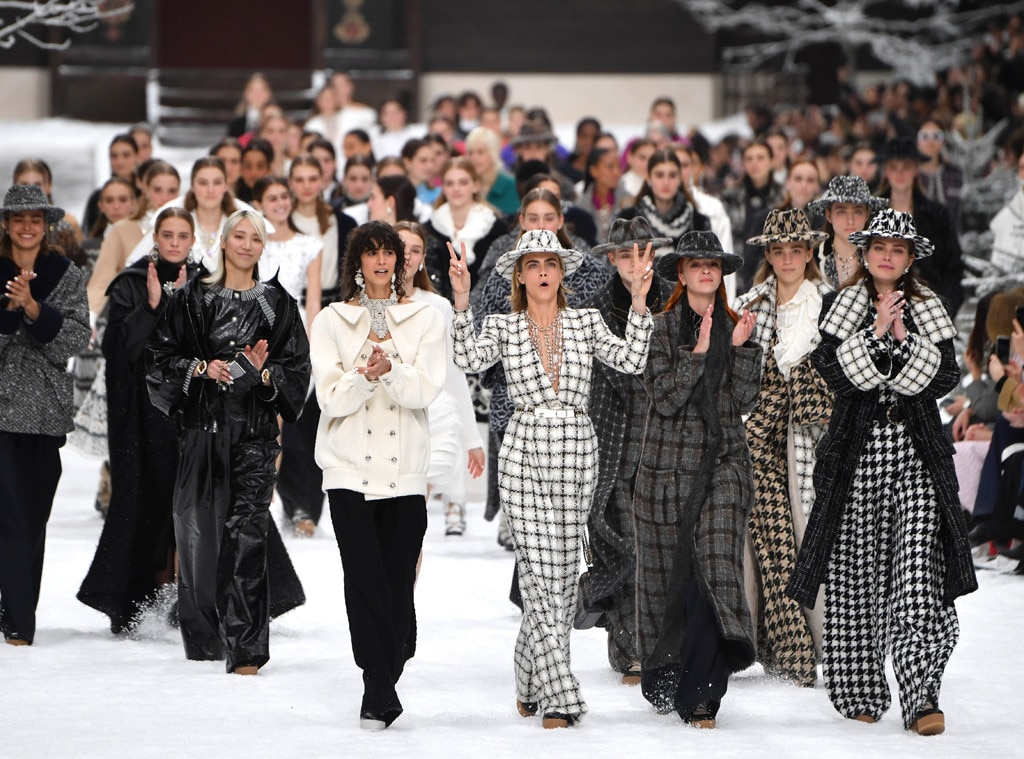 A Sign of Peace - Cara Delevingne  helped up peace signs as the group strutted down the runway.