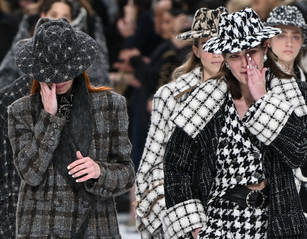 ff7c7a8833f Chanel Show Draws Tears on the Runway After Karl Lagerfeld s Death ...