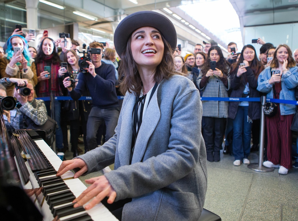 "Sara Bareilles -  ""Love Song"" lady!"
