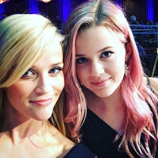 Girls' Night -  In October 2015, Witherspoon and Phillippe had a fun girls' night and proved once again that they are birds of a feather.