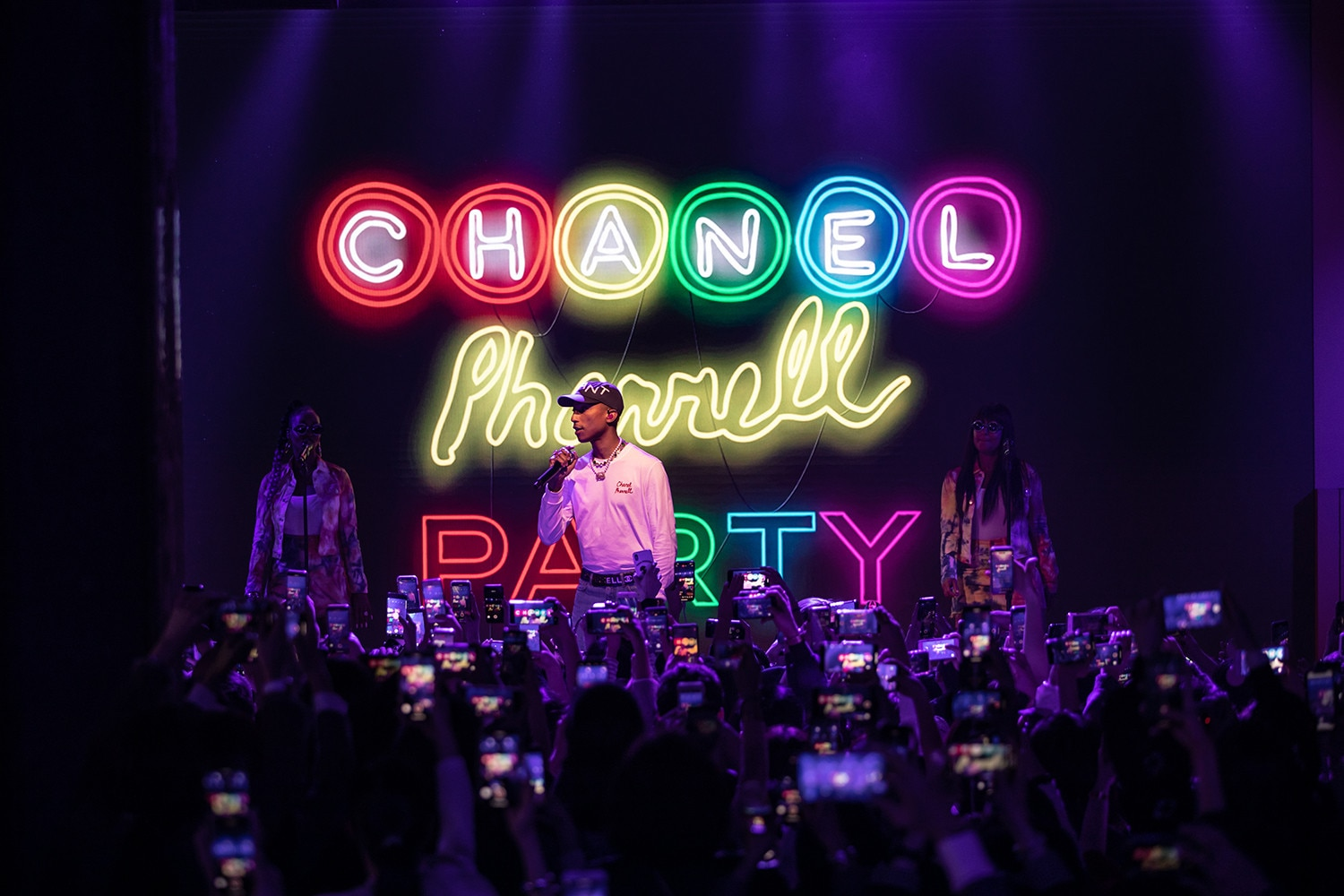 b906545ee Before Jennie hit the stage at Chanel Pharrell party from All the ...