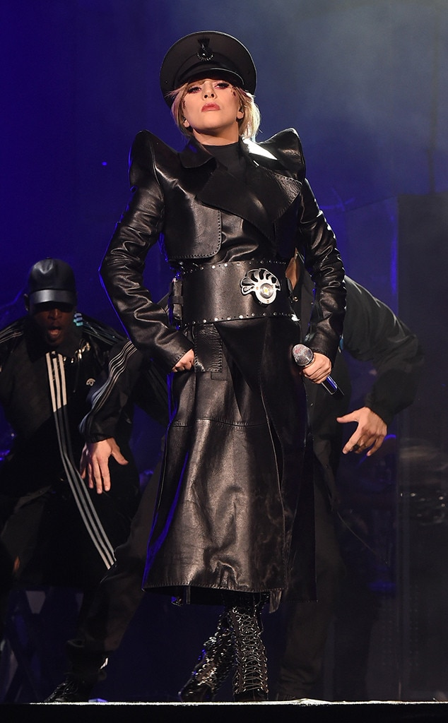 Lady Gaga -  Never one to disappoint with her outfits, Gaga commands the stage with this all-black ensemble.