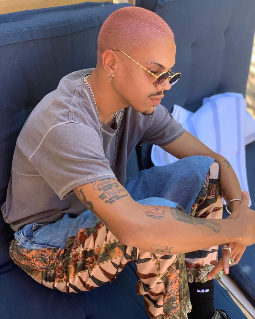 Evan Ross -  The performer stays cool as he braves the scorching temperatures of Indio, Calif.