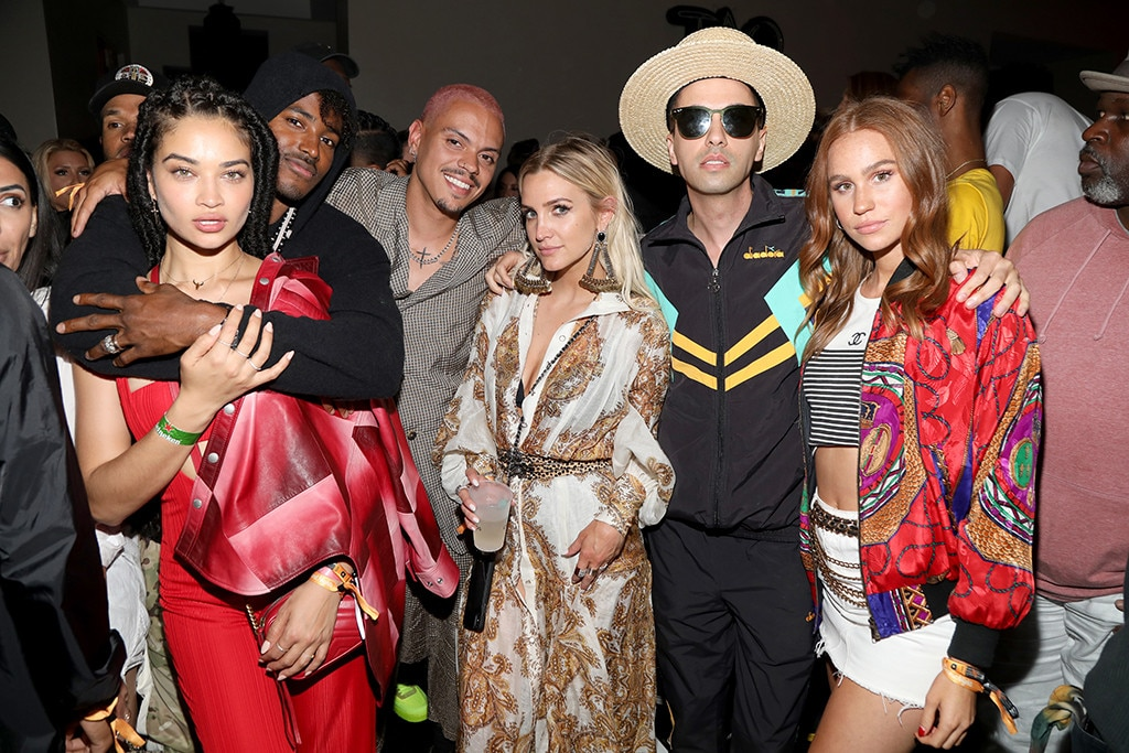 Shanina Shaik, DJ Ruckus, Evan Ross, Ashlee Simpson, DJ Cassidy and Kelsey Evenson -  The group couples up at the TAO X Revolve Desert Nights bash.