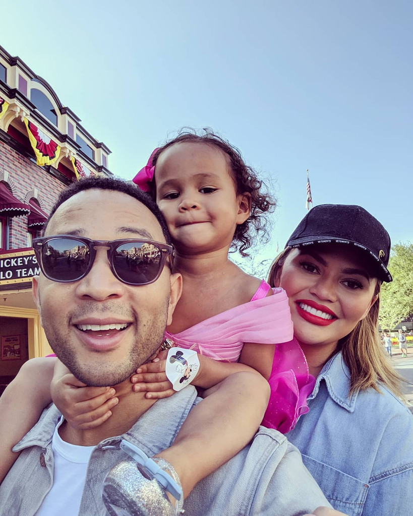 John Legend, Chrissy Teigen, Luna Stephens