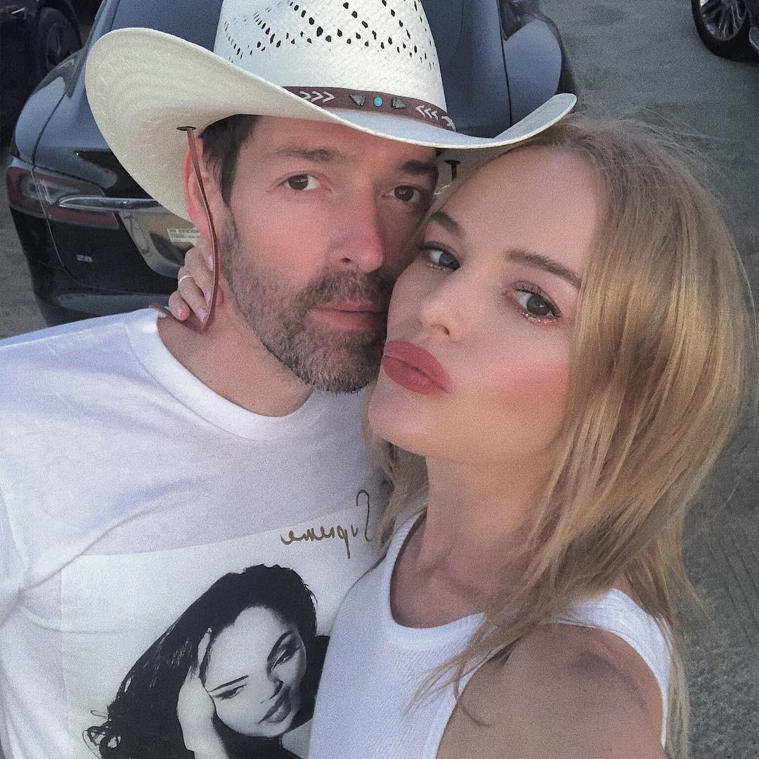 Kate Bosworth & Michael Polish -  Selfie time!