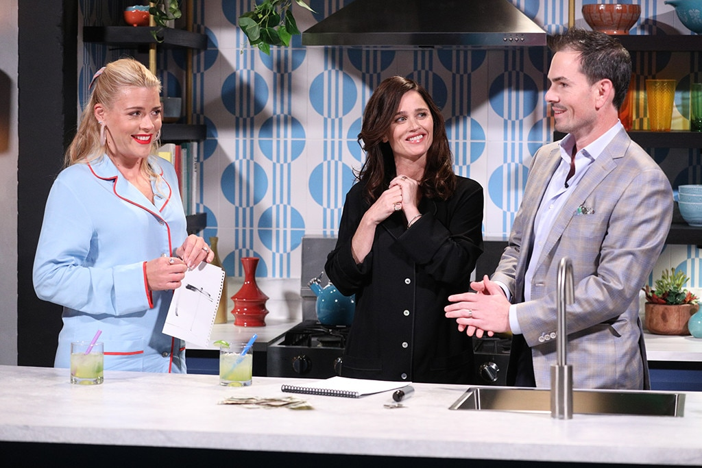 Robin Tunney -  Busy surprises the former  Mentalist  star with a real-life mentalist, who  performed mind-blowing tricks  for the actresses.