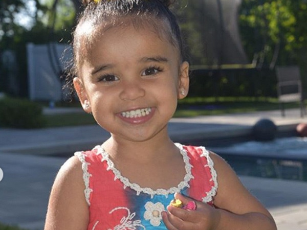 Rob Kardashian's Daughter Dream Hunts for Easter Eggs in This Adorable Video