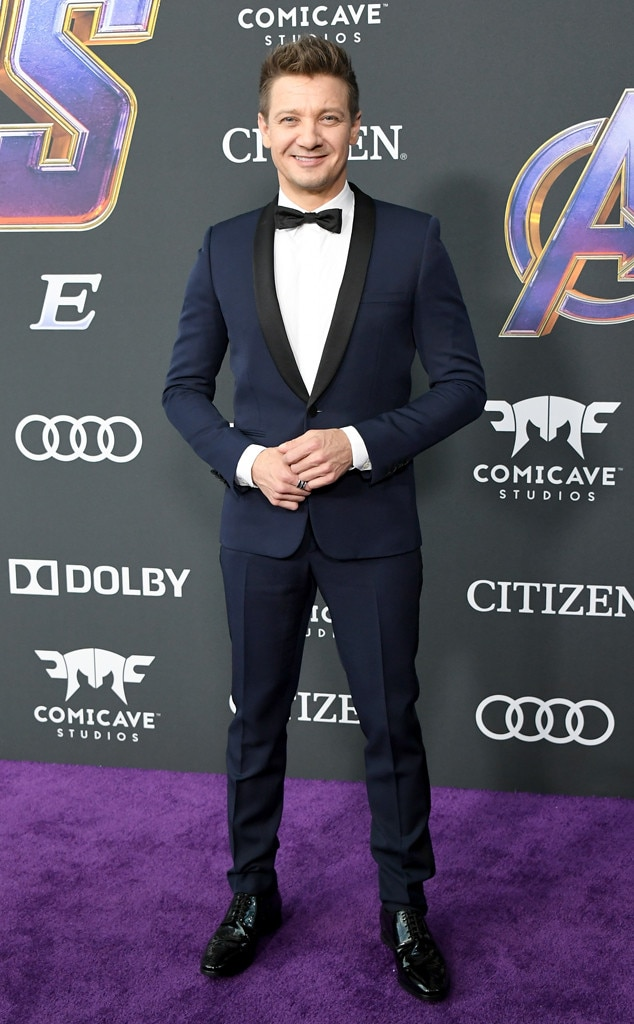 Jeremy Renner -  The actor opts for a classic navy and blue tuxedo.